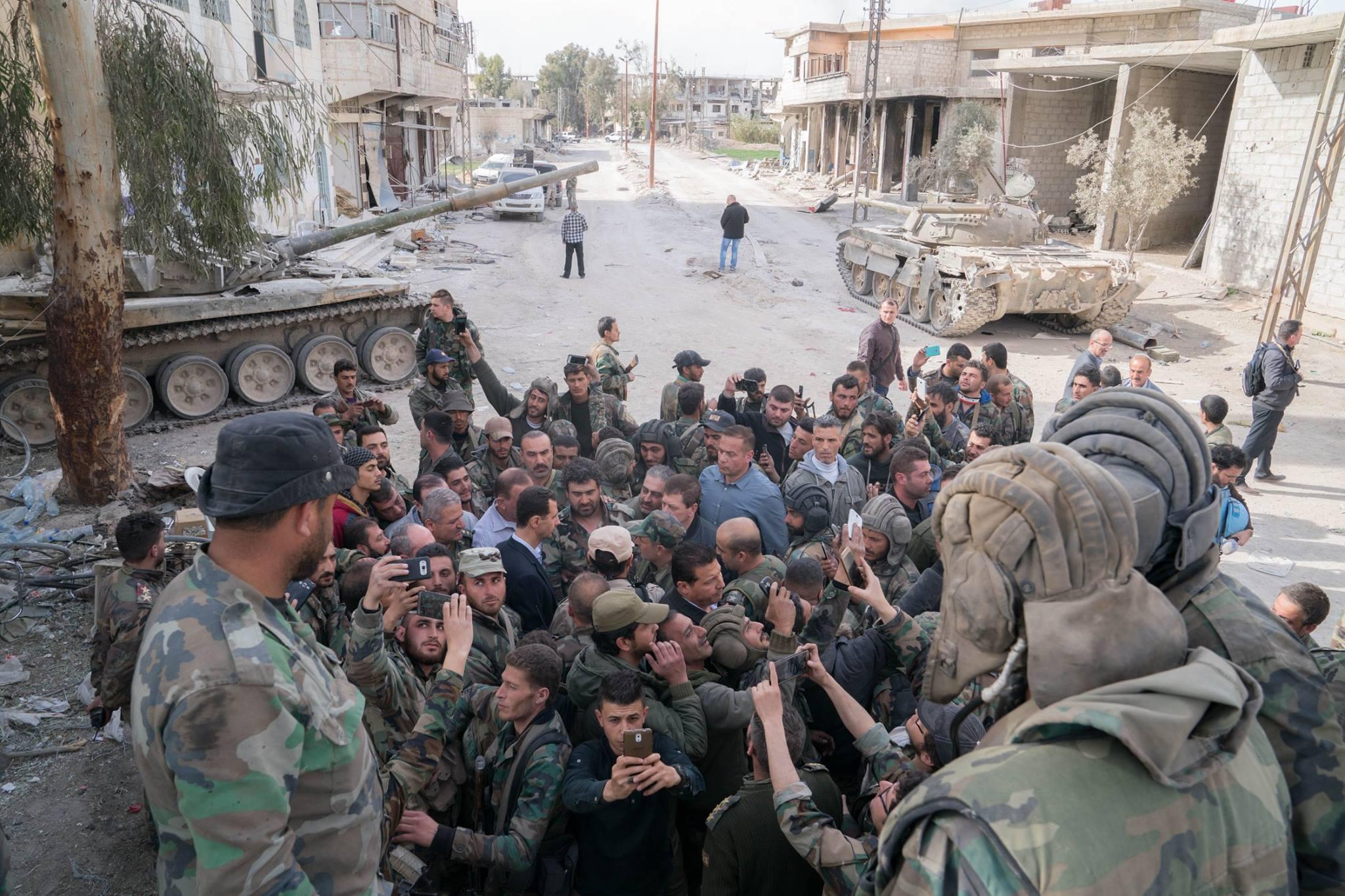 바샤르 알 아사드 대통령이 동부 고타 전선을 방문 ..