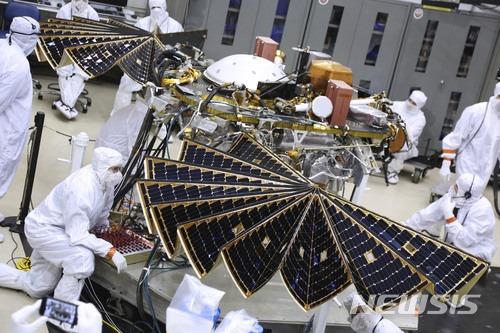 화성 내부 탐사선 `인사이트` 발사