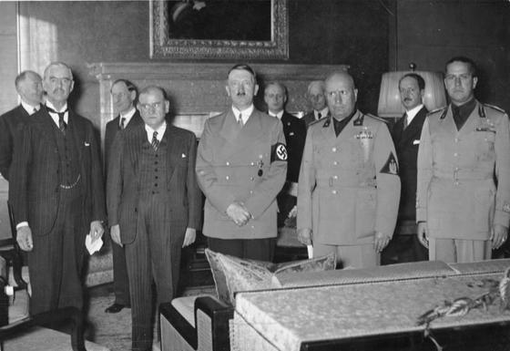 """""""대-히틀러 예방전쟁에 대한 회의론은?"""""""