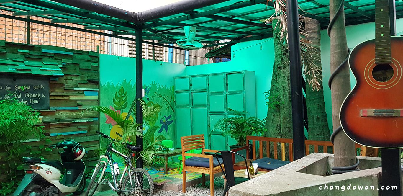 프놈펜 하우스 맥주, Botanico Wine Beer Garden