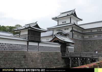 2018.7.3. (19) 겐로쿠엔과 마주하는 천수각 없는..