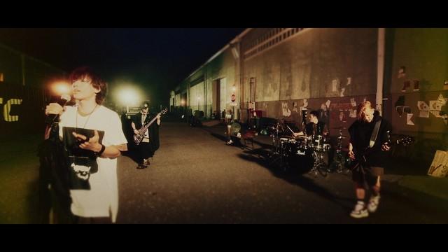 SPYAIR의 신곡 뮤직 비디오가 공개된 모양입니다.
