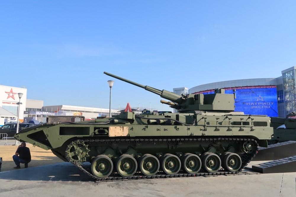 화려한 귀환? - 57MM T-15 중장갑차